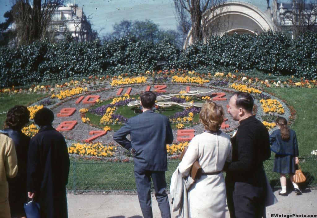 Bois de Boulogne clock